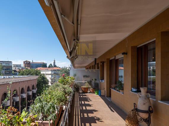 Panoramico tricamere con terrazzone, Udine centro