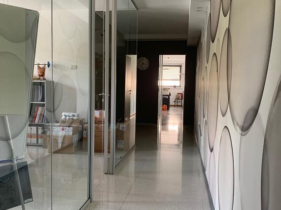 Ufficio elegante e luminoso, Via Tricesimo interni