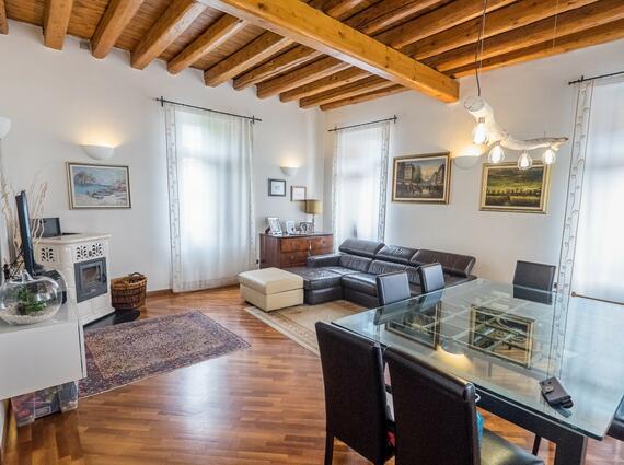 appartamentone piano unico in villa Liberty