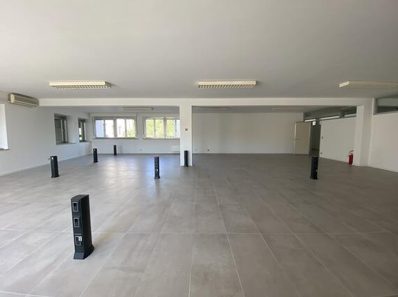 Uffici in complesso commerciale a Feletto Umberto